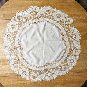 Other - Vintage doily lace and linen large 25 in across